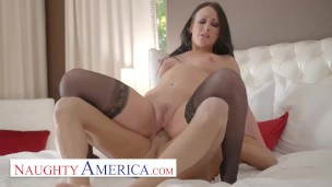 Naughty America - Jennifer White is willing to do anything for the rent to drop
