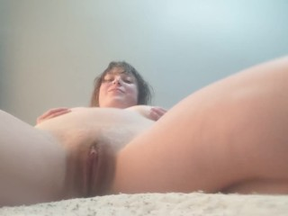 Watch me masturbate my cunt for 10 minutes straight ;)