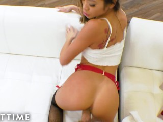 Hot Babe is Horny for a Huge Cock