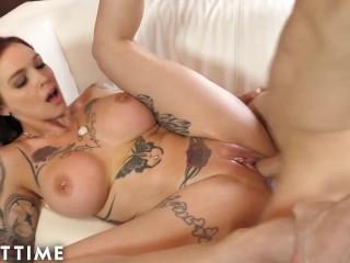 Big Tits Tattooed MILF Anna is a Squirter
