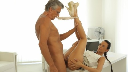 OLD4K Dazzling brunette with ease seduces old boss in the office